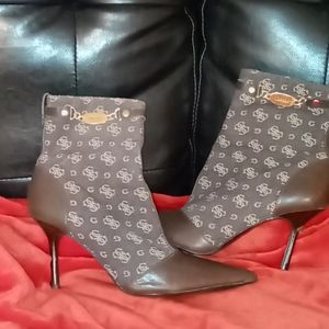 Guess boots! Sexy! Excellent condition!